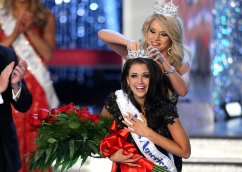 Laura Kaeppeler crowned as Miss America 2012