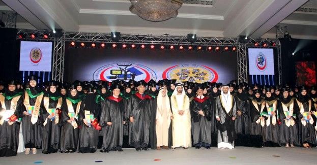 Sheikh Mohammed honors DMCG Graduates