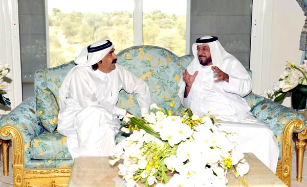 President Khalifa receives Emir of Qatar