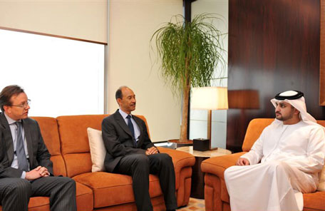 Sheikh Maktoum receives US Ambassador to UAE