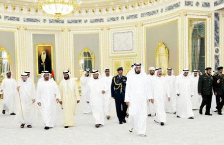 Shaikh Khalifa receives GCC envoys