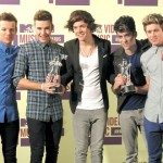 British band One Direction tops MTV Video Awards