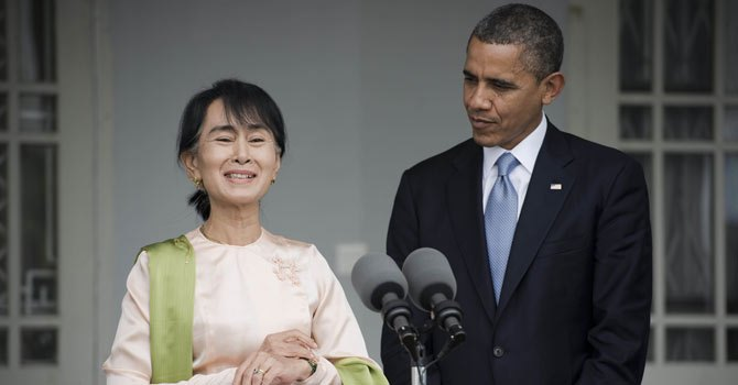 Obama Pushes Change on Historic Myanmar Visit
